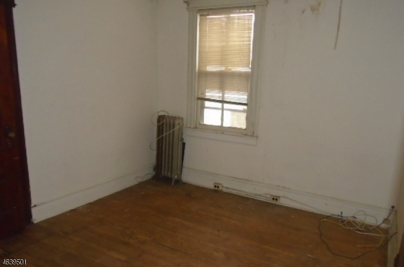 Additional photo for property listing at 45 Saint Paul Avenue  Newark, New Jersey 07106 États-Unis