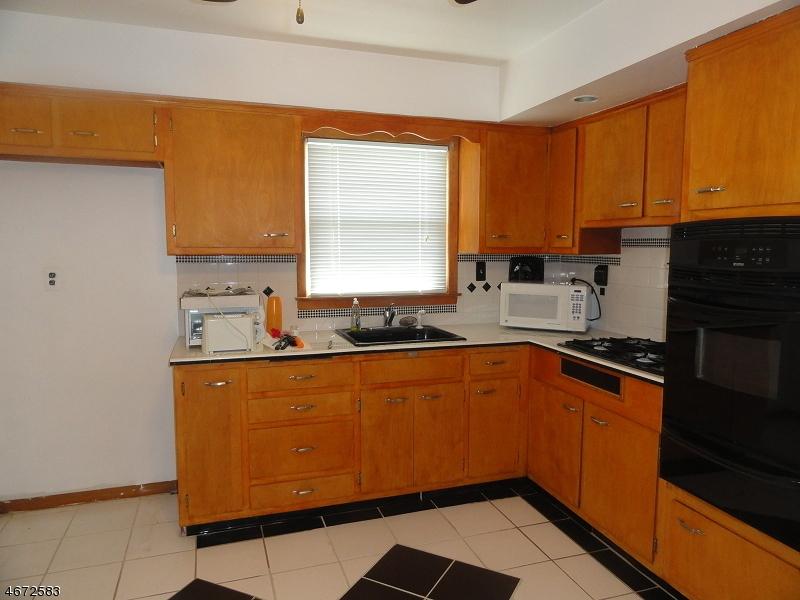 独户住宅 为 出租 在 235 DIETZ ST 2nd floor 罗塞尔, 07203 美国