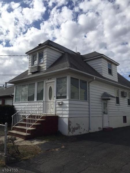 多户住宅 为 销售 在 51 Alpine Road Garfield, 新泽西州 07026 美国