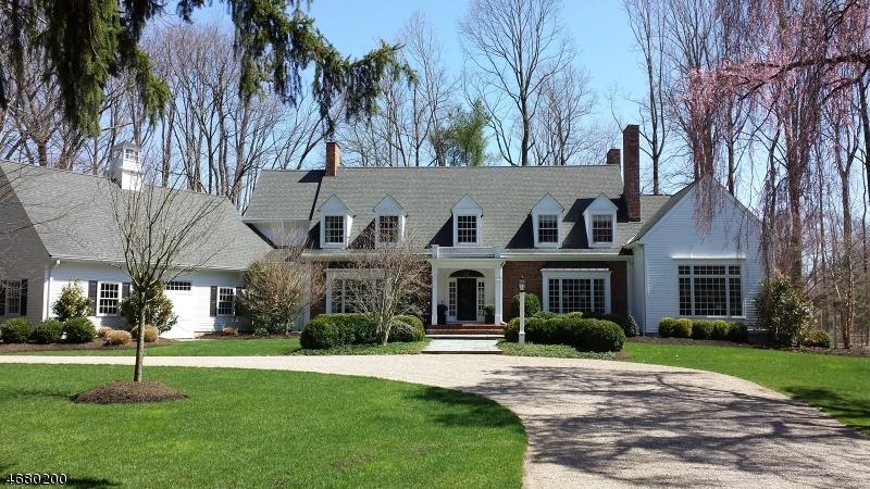 Maison unifamiliale pour l Vente à 100 VILLAGE Road New Vernon, New Jersey 07976 États-Unis
