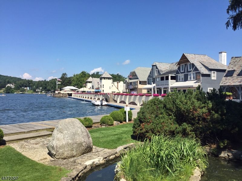 Additional photo for property listing at Marine Terrace  Byram Township, New Jersey 07821 États-Unis