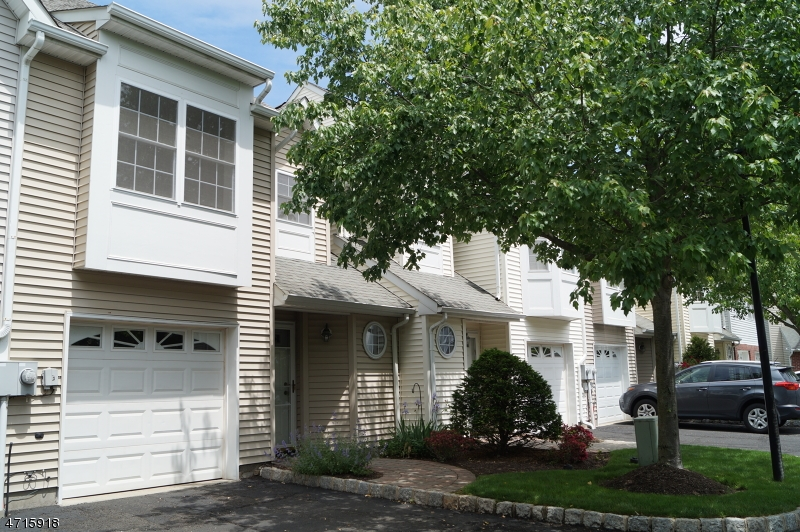 Single Family Home for Rent at 15 Helen Way Berkeley Heights, New Jersey 07922 United States