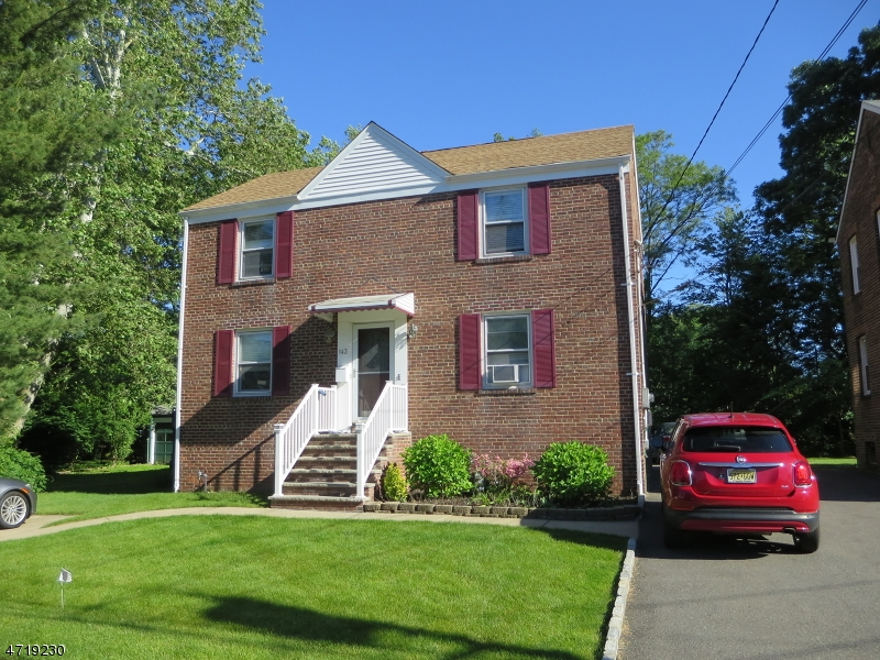 Многосемейный дом для того Продажа на 143 Willow Avenue Garwood, Нью-Джерси 07027 Соединенные Штаты