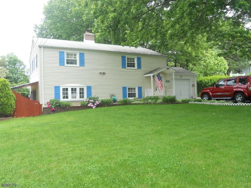 Maison unifamiliale pour l Vente à 3 Richardsville Road Ogdensburg, New Jersey 07439 États-Unis