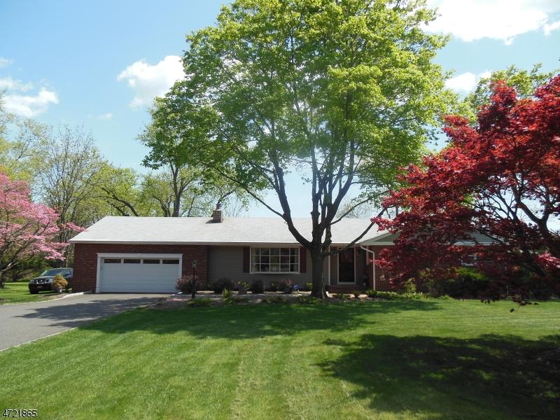 Maison unifamiliale pour l à louer à 26 Cedar Grove Lane Franklin, New Jersey 08873 États-Unis
