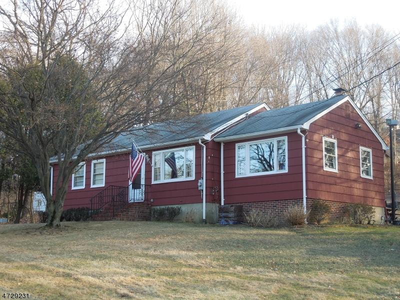 Частный односемейный дом для того Аренда на 320 Palmer Road Denville, Нью-Джерси 07834 Соединенные Штаты