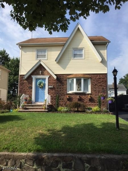 Maison unifamiliale pour l Vente à 314 Sussex Road Wood Ridge, New Jersey 07075 États-Unis
