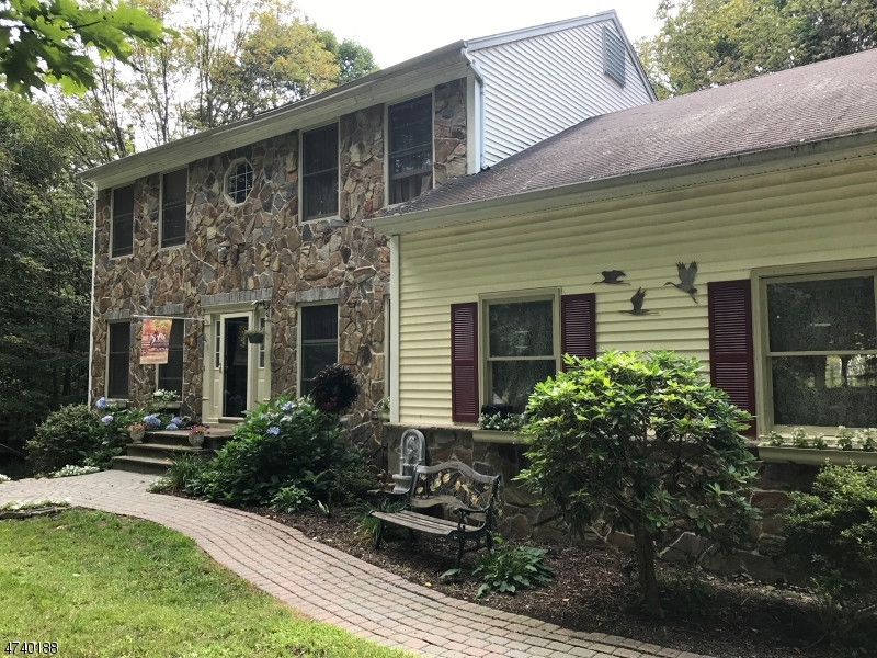 独户住宅 为 销售 在 93 Brink Road 旺蒂奇, 07461 美国