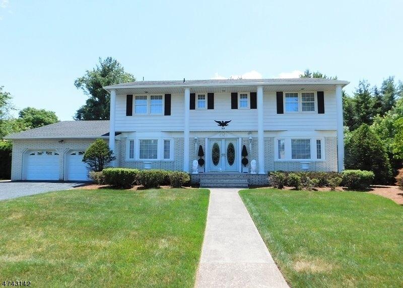 Casa Unifamiliar por un Venta en 35 Lebeda Drive Fairfield, Nueva Jersey 07004 Estados Unidos