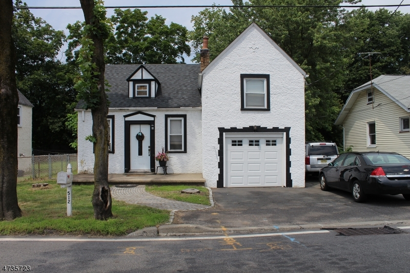 Maison unifamiliale pour l à louer à 512 Colonial Road Franklin Lakes, New Jersey 07417 États-Unis