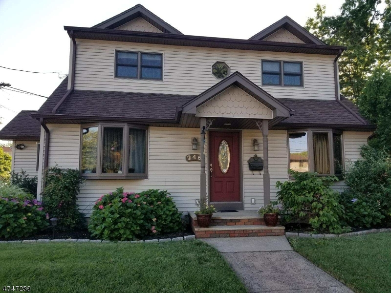 Single Family Home for Sale at 246 Boulevard Elmwood Park, New Jersey 07407 United States