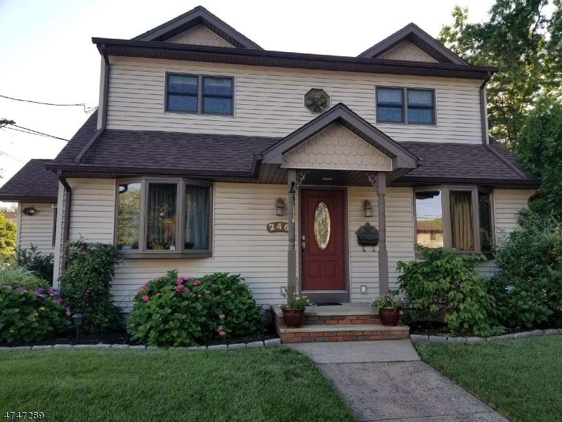 Частный односемейный дом для того Продажа на 246 Boulevard Elmwood Park, 07407 Соединенные Штаты