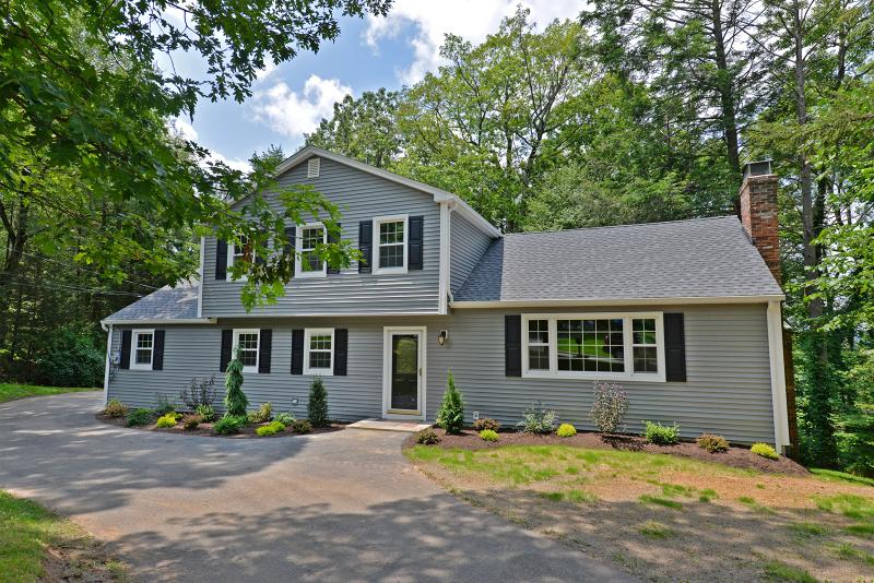 独户住宅 为 出租 在 9 Winding Way 西米尔福德, 新泽西州 07480 美国