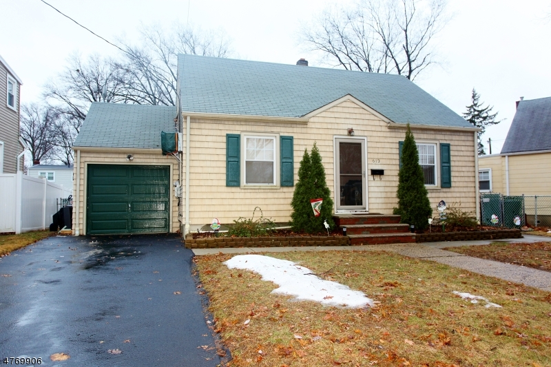 Casa Unifamiliar por un Venta en 613 Richfield Avenue Kenilworth, Nueva Jersey 07033 Estados Unidos