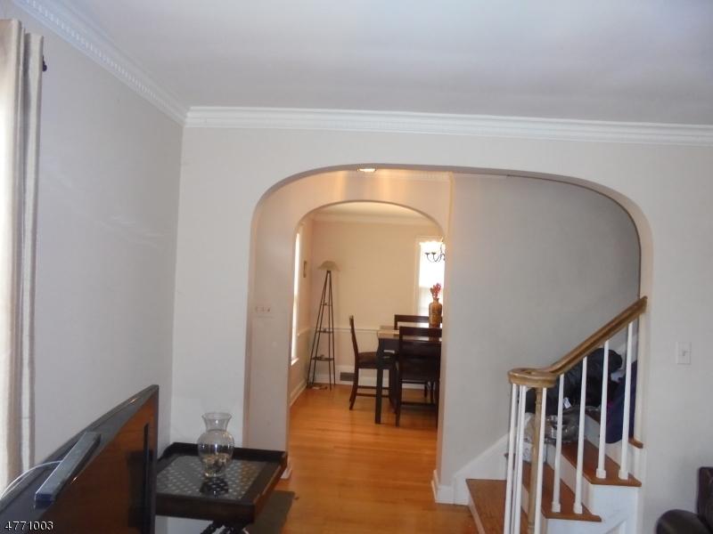 独户住宅 为 销售 在 4 Rhoda Ter Roselle Park, 新泽西州 07204 美国