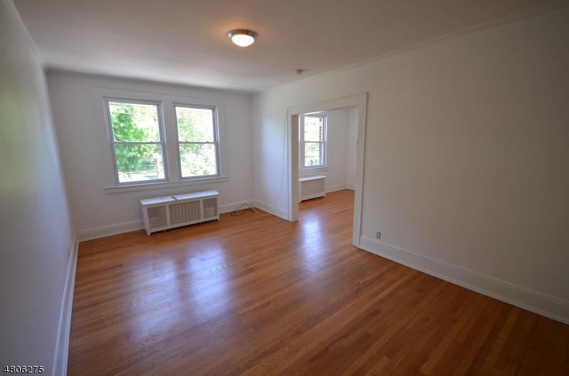Casa Unifamiliar por un Alquiler en 1669 Springfield Avenue Maplewood, Nueva Jersey 07040 Estados Unidos