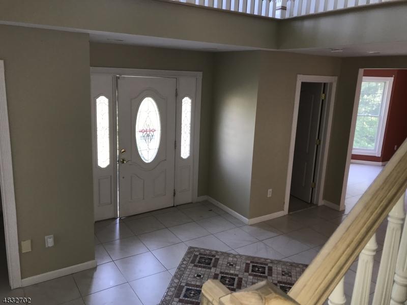 独户住宅 为 销售 在 24 STONEHEDGE Drive Hardyston, 新泽西州 07460 美国