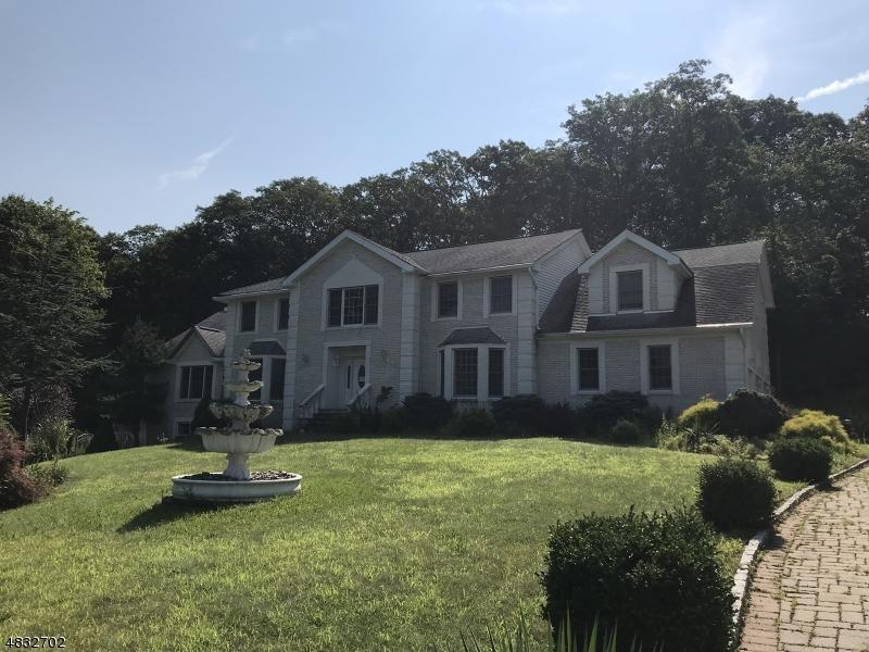 Tek Ailelik Ev için Satış at 24 STONEHEDGE Drive Hardyston, New Jersey 07460 Amerika Birleşik Devletleri