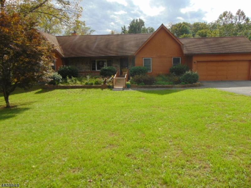 獨棟家庭住宅 為 出售 在 15 MT PLEASANT Road Knowlton, 新澤西州 07832 美國