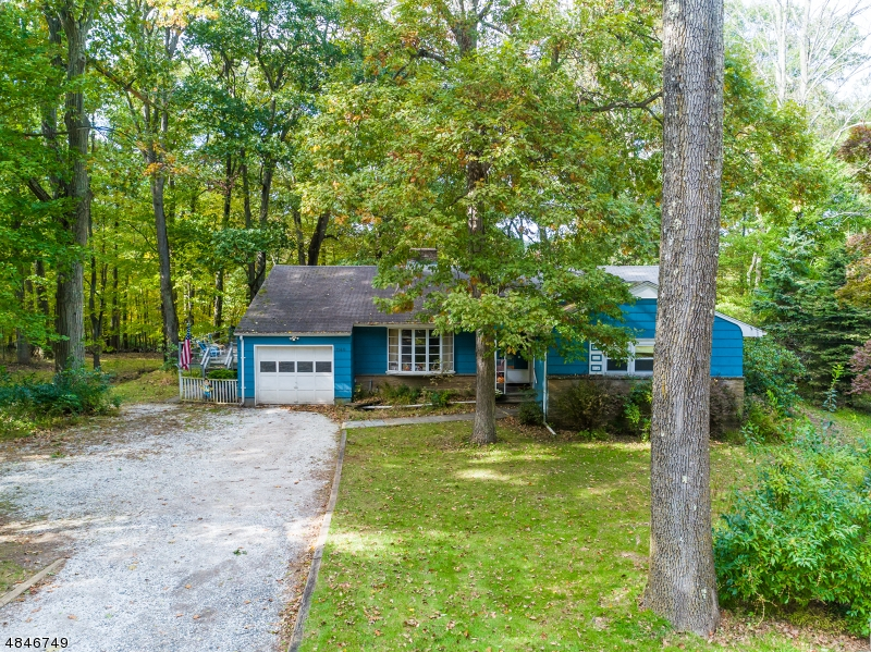 独户住宅 为 销售 在 1140 SUMMIT Lane Mountainside, 新泽西州 07092 美国