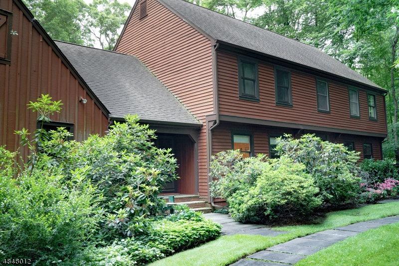 Single Family Home for Sale at 18 SOUTHVIEW Drive Boonton, New Jersey 07005 United States