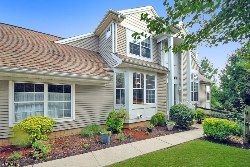 Condo / Townhouse for Sale at Lopatcong, New Jersey 08886 United States