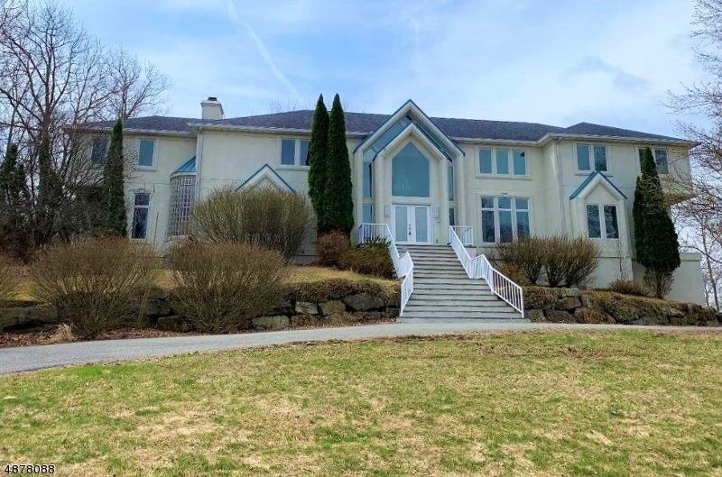 Single Family Home for Sale at 83 CHOPIN Drive Wayne, New Jersey 07470 United States