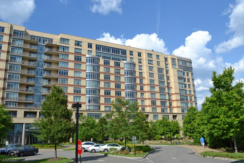 Condo / Townhouse for Sale at North Bergen, New Jersey 07047 United States