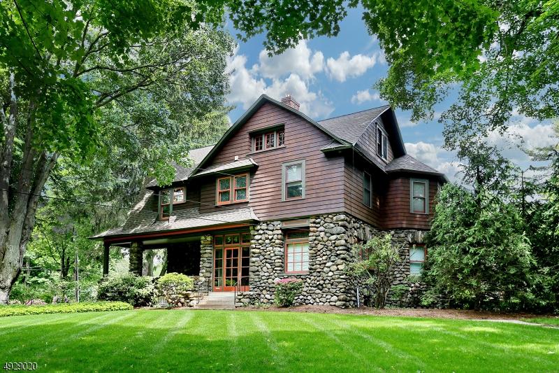 Single Family Homes 為 出售 在 Allendale, 新澤西州 07401 美國