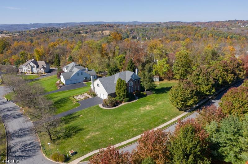 Single Family Homes pour l Vente à Glen Gardner, New Jersey 08826 États-Unis