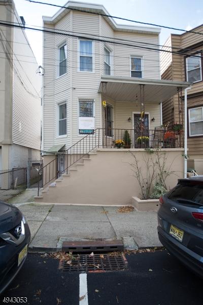Multi-Family Homes för Försäljning vid North Bergen, New Jersey 07047 Förenta staterna
