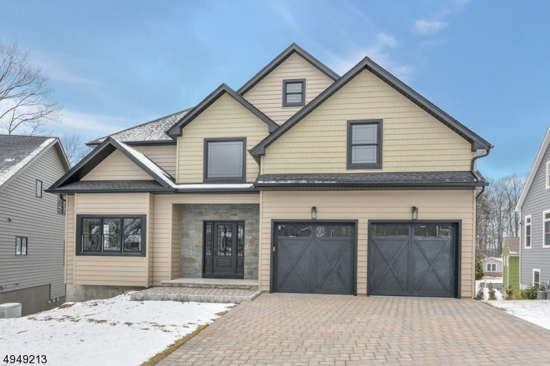 Single Family Homes vì Bán tại Little Falls, New Jersey 07424 Hoa Kỳ