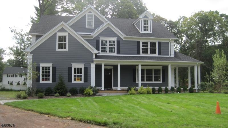 Single Family Homes per Vendita alle ore 1 NORWEGIAN WOODS Scotch Plains, New Jersey 07076 Stati Uniti