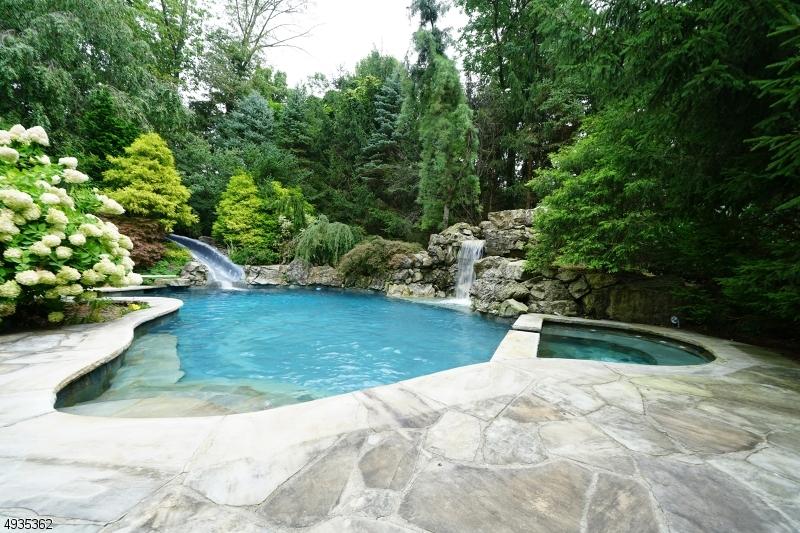 Single Family Homes для того Продажа на Chester, Нью-Джерси 07930 Соединенные Штаты
