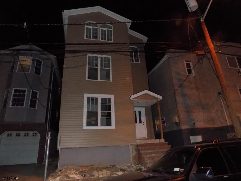 独户住宅 为 出租 在 456 Broadway Elizabeth, 新泽西州 07206 美国