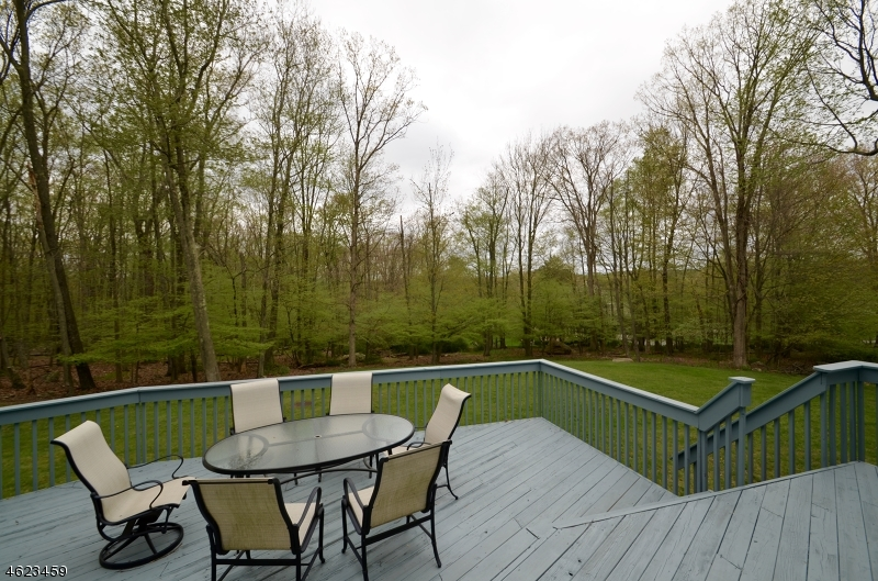 Additional photo for property listing at 18 Timber Trail  Boonton, New Jersey 07005 États-Unis