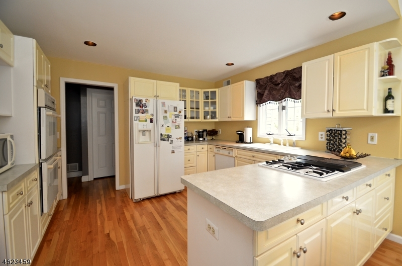 Additional photo for property listing at 18 Timber Trail  Boonton, New Jersey 07005 United States
