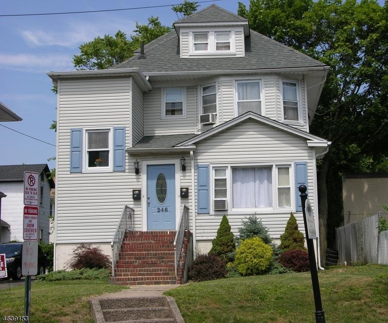 Casa Multifamiliar por un Venta en 246 Queen Anne Road Bogota, Nueva Jersey 07603 Estados Unidos
