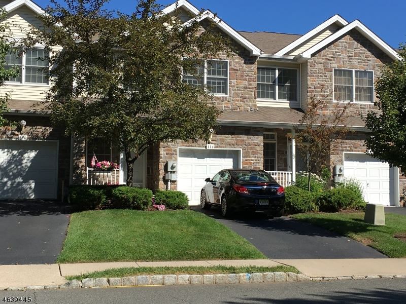 Additional photo for property listing at 114 Jillian Blvd  Parsippany, Nueva Jersey 07054 Estados Unidos