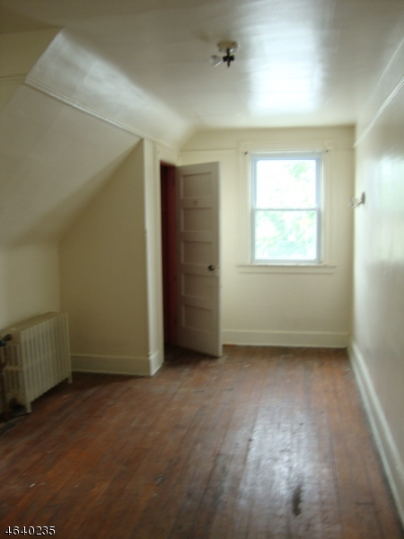 Additional photo for property listing at 164 N 18th Street  East Orange, Нью-Джерси 07017 Соединенные Штаты