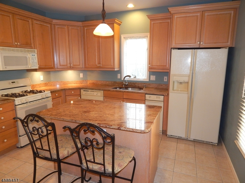Additional photo for property listing at 1123 Smith Manor Blvd  West Orange, Нью-Джерси 07052 Соединенные Штаты