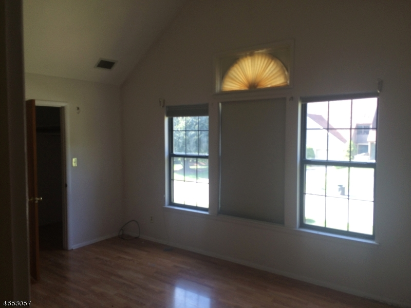 Additional photo for property listing at 10A NEW BEDFORD Road  West Milford, New Jersey 07480 États-Unis
