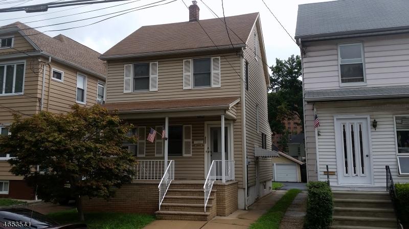 Maison unifamiliale pour l Vente à 211 Vine Street Elizabeth, New Jersey 07202 États-Unis