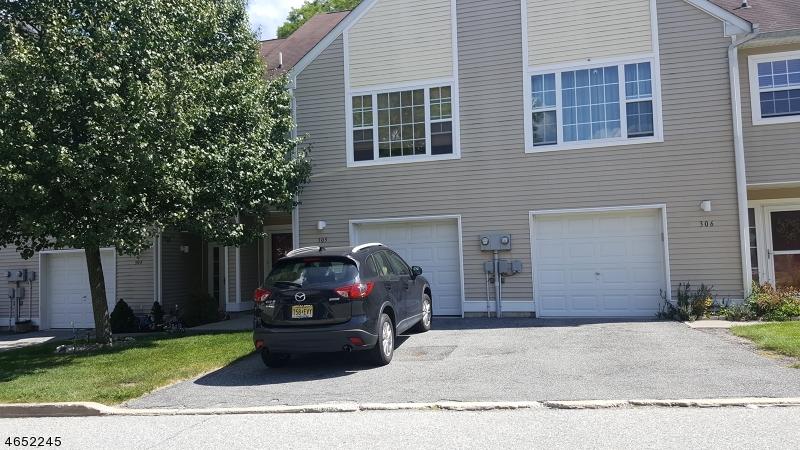 Single Family Home for Rent at 305 Falcon Ridge Way South Hamburg, 07419 United States