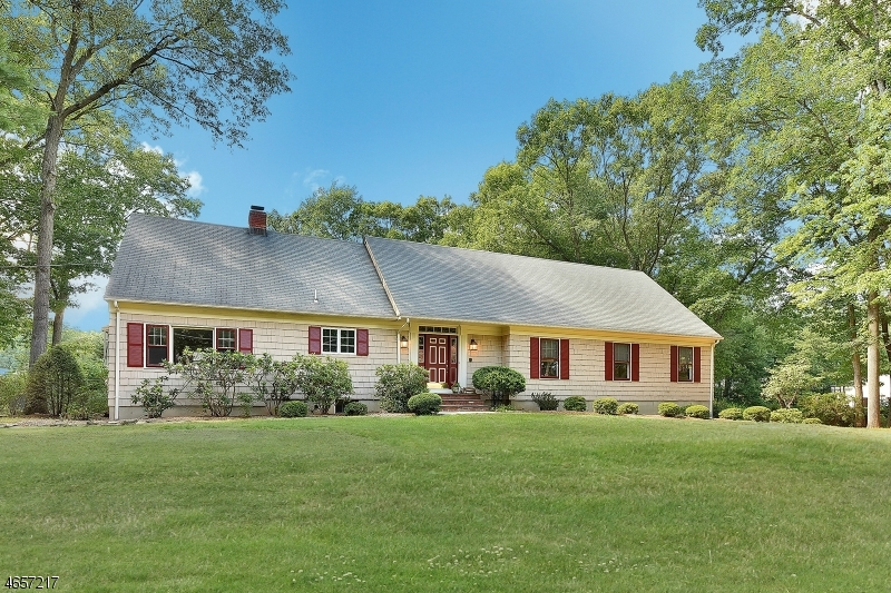 独户住宅 为 销售 在 16 Lehman Street 莫瓦, 新泽西州 07430 美国