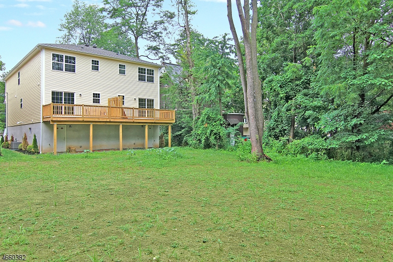 Additional photo for property listing at 40A Washington Avenue  Plainfield, Нью-Джерси 07060 Соединенные Штаты