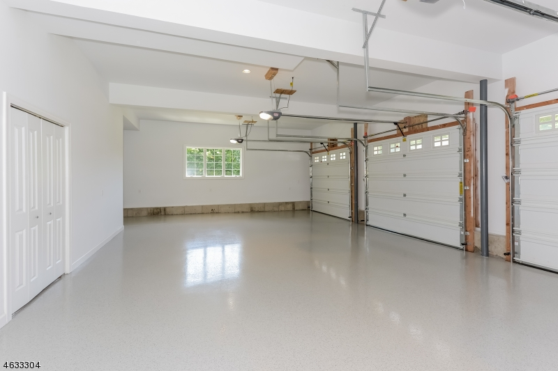 Additional photo for property listing at 50 S Glen Road  Butler, 新泽西州 07405 美国