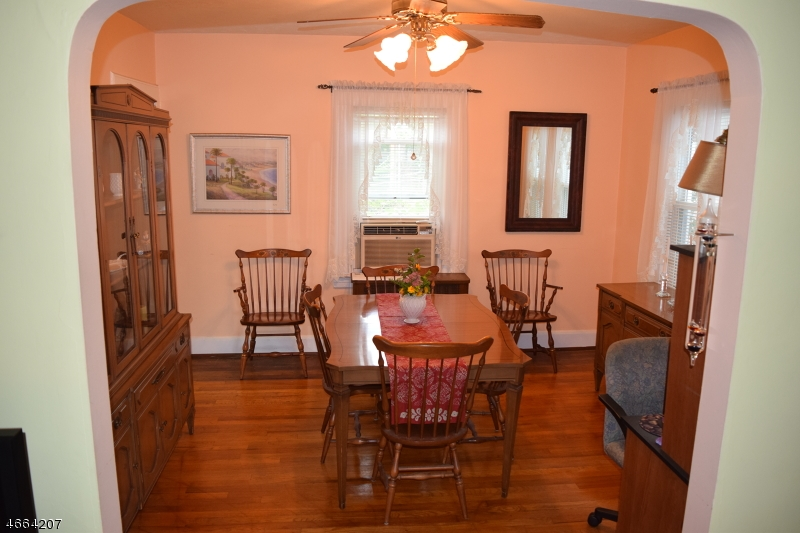 Additional photo for property listing at 542 Beardsley Avenue  Bloomfield, Nueva Jersey 07003 Estados Unidos