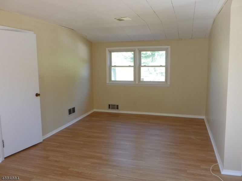 Additional photo for property listing at 35 Reigate Road  Bloomfield, New Jersey 07003 États-Unis