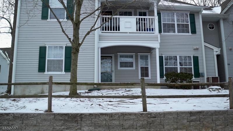 Частный односемейный дом для того Аренда на 404 Chatfield Drive Pompton Plains, Нью-Джерси 07444 Соединенные Штаты
